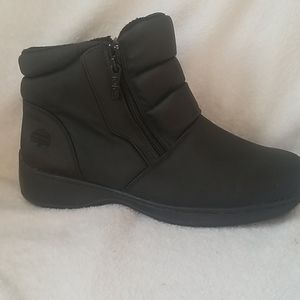 TOTES RAIN AND SNOW BOOTS SZ 10W
